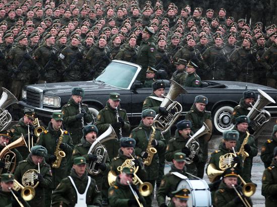 О новинках парадной военной техники расскажет сайт Минобороны
