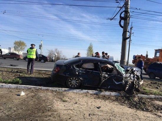 В Тольятти при столкновении «Ниссана» и «Приоры» один человек погиб, двое пострадали