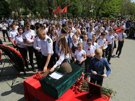 Дорога домой. Астраханцы попрощались с солдатом, погибшем во время Великой Отечественной войны