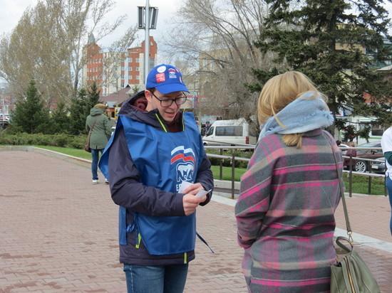 Барнаульцам бесплатно раздали билеты на патриотический спектакль