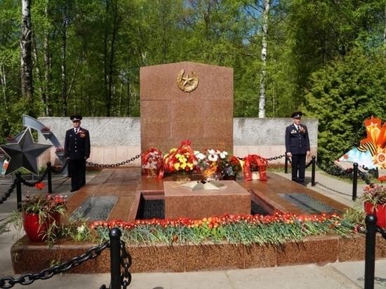8 мая в Чебоксарах возложат цветы к Братской могиле