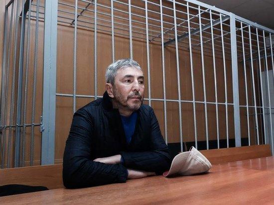 В суде пояснили, почему Джабраилову не вернули наградной пистолет