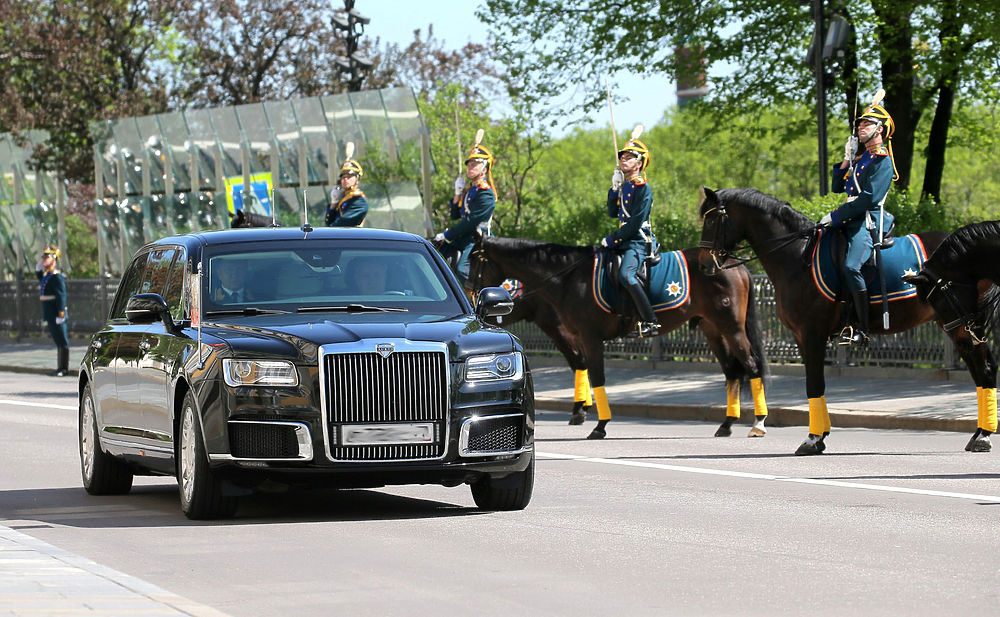 "Кадры лимузина ""Кортеж"" на инаугурации Путина впечатлили автомобилистов"