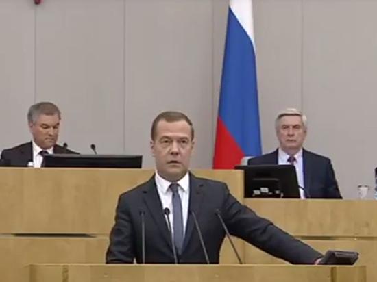 Дума утвердила премьером Медведева, не ответившего на важнейшие вопросы