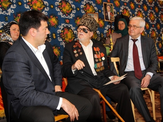 Глава Гумбетовского района встретился с ветераном Великой Отечественной войны