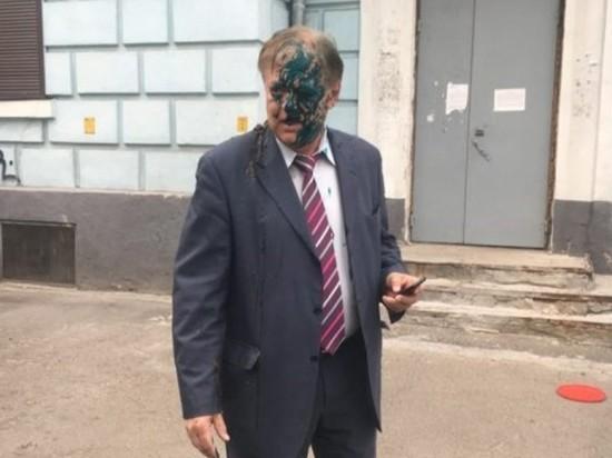 Главу Россотрудничества облили фекалиями в Киеве
