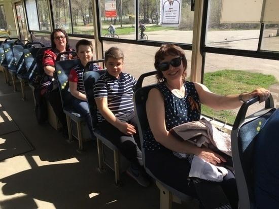 Ульяновцев прокатили на «Трамвае Победы»