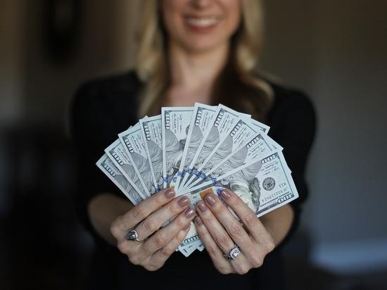 Назван способ заработать много денег, больше подходящий для женщин
