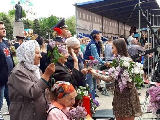 Астраханские журналисты поздравили ветеранов с Днем Победы