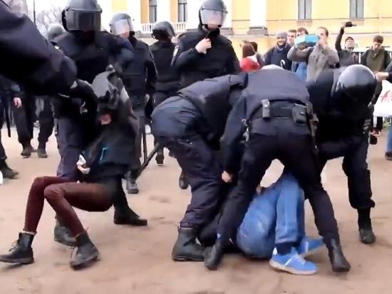 Участников акции «Он нам не царь» в Петербурге приговаривают к рекордным штрафам
