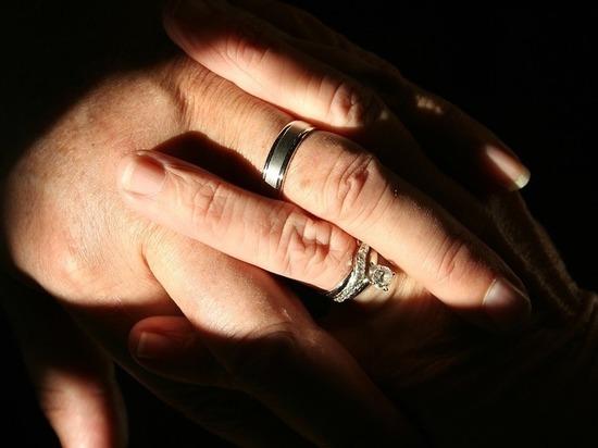 В Сургуте заработала выставка самых крепких супружеских пар