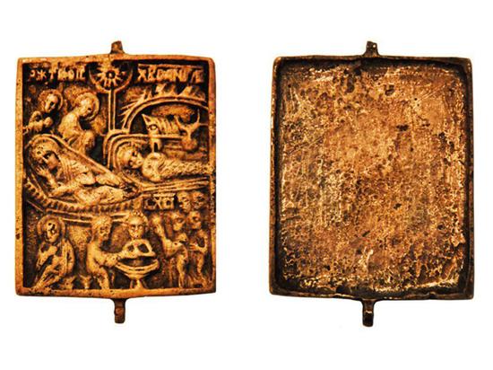 В Москве обнаружен часть медной иконы XV-XVI века