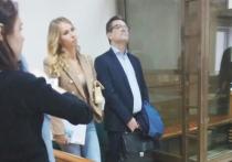 Правоохранительные органы не оставляют попыток привлечь к ответственности гражданскую жену полковника Дмитрия Захарченко, обвиняемого в коррупции
