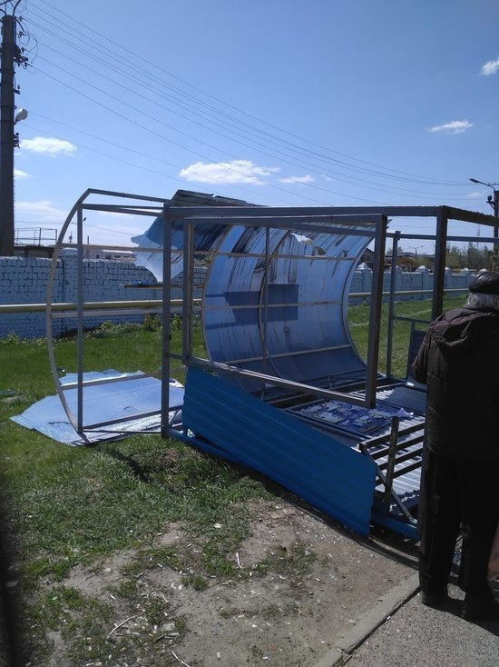 Ветер снес остановочный павильон возле «Мордовия Арены»