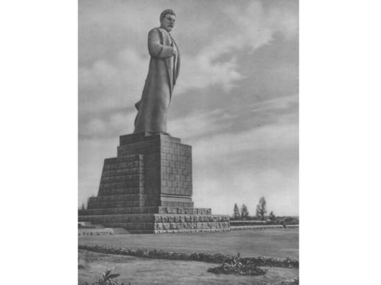 В Дубне хотят восстановить памятник Сталину