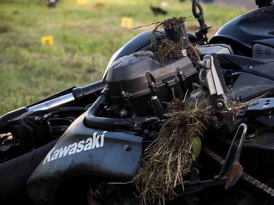 На трассе Казань - Оренбург мотоцикл «Кавасаки» унес две жизни