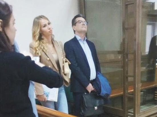 Даму сердца полковника Захарченко взяли за шкирку