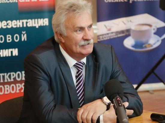«Откровенно говоря»: Алексей Сарычев презентовал свою первую книгу