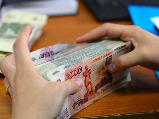 Главбух присвоила себе более полумиллиона рублей из-за нехватки денег