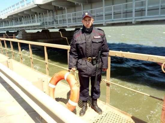 В Крыму мостостроитель сорвался с опоры моста