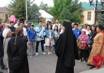 Калмыцкий архипастырь подарил гостям фестиваля