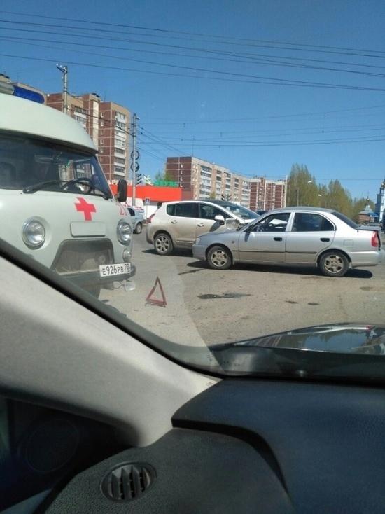 В Ульяновске столкнулись две иномарки, есть пострадавшие