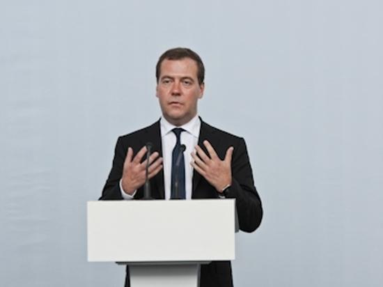 Медведев подписал документ о строительстве высокоскоростной магистрали Екатеринбург-Челябинск
