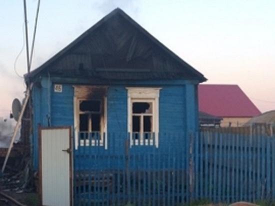 В Переволоцком районе на пожаре в жилом доме погибли 3 человека