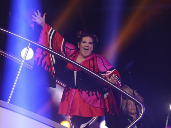 Свалившаяся с лестницы победительница