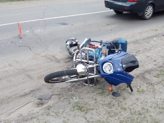 В Тамбовской области байкер врезался в стоящую