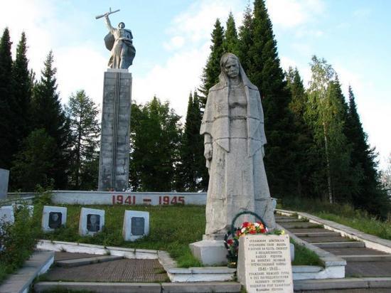 Приставы заставили власти Нижней Туры привести в порядок мемориальный комплекс
