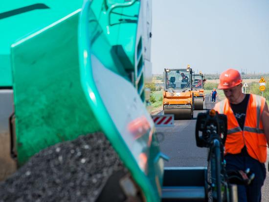 Восстановление участка дороги Новый Рогачик – Волгоград завершат к октябрю