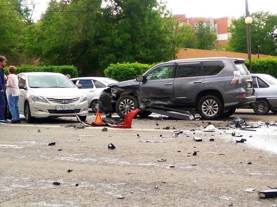 Два человека пострадали в результате ДТП с четырьмя автомобилями в Туле