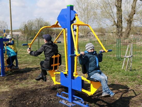 У жителей села Комарское появился новый современный спортивный комплекс