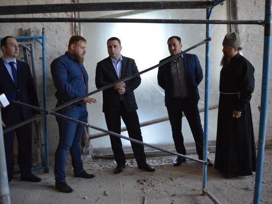 В Троицком соборе полным ходом идут реставрационные работы