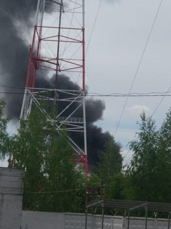 Юг Тулы оказался в едком дыму из-за горевших предметов садового интерьера
