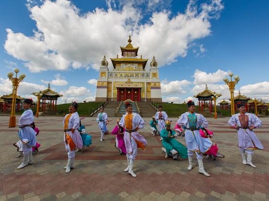 Сегодня в Калмыкии начался священный буддийский месяц Ур Сар
