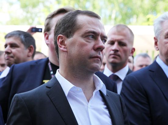 Медведев рассказал о беспилотном будущем: страшно на улицу выйти