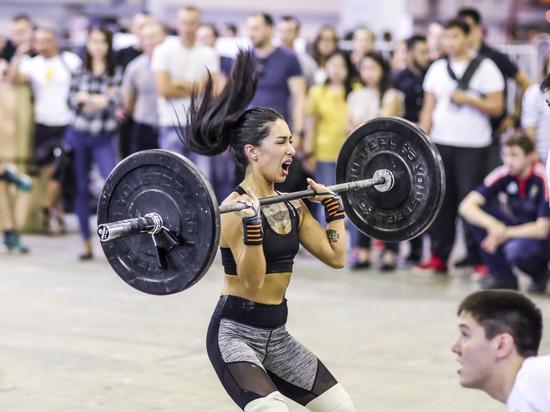 Поклонники силовой атлетики собрались на Международный фестиваль здоровья и спорта в Алматы