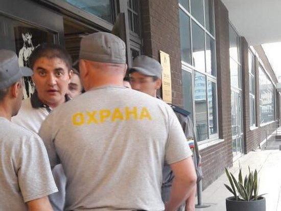 Драку с полицейскими устроили пьяные посетители ресторана в Казани
