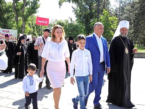 Игорь Додон: «Только оберегая семью, мы сможем выжить как народ»