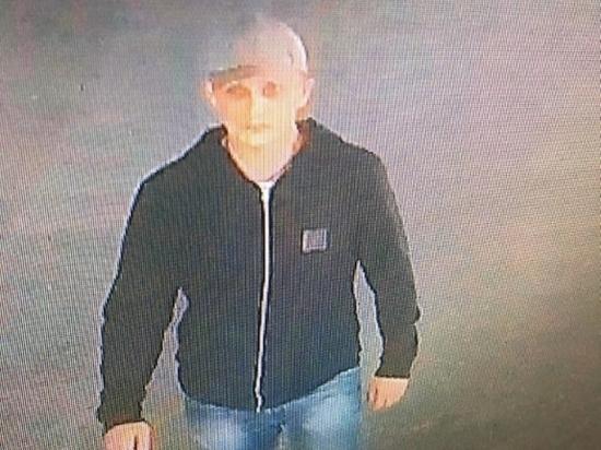 В Волгограде ищут налетчика, ограбившего ювелирный салон в ТРЦ