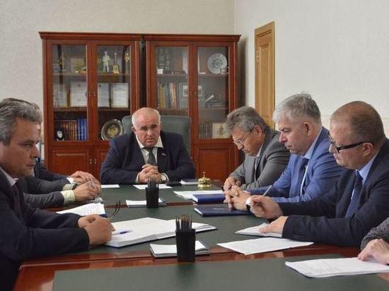 В Костромской области проанализируют, как влияет на экономику региона  рост цен на моторное топливо