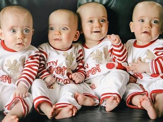 Сотрудники ЗАГСа рассказали, сколько четверней родилось в Москве
