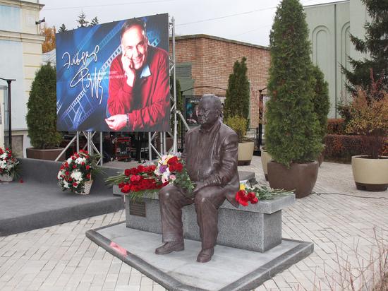 На открытии музея Эльдара Рязанова в Самаре покажут его фильм и устроят караоке