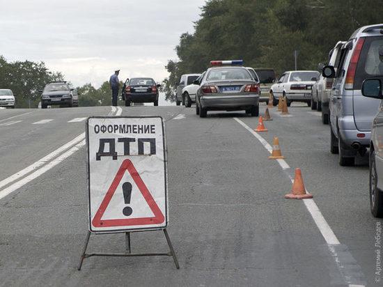 В ДТП в Москве пострадали мотоциклист и двое его детей