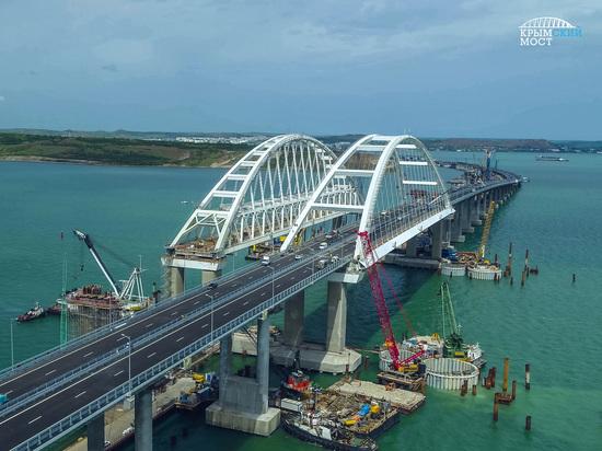По бумагам моста в Крым для рейсовых автобусов нет – «Крымавтотранс»