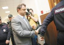 Бывший замминистра культуры Григорий Пирумов, который совсем недавно оказался на свободе, 18 мая был арестован по новому уголовному делу — о хищениях при возведении зданий Эрмитажа