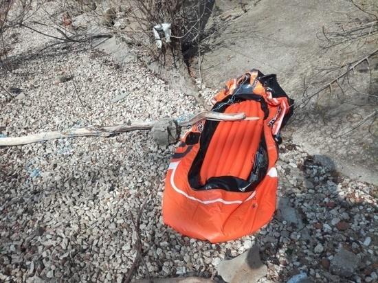 Самарские спасатели сняли троих молодых людей с уступа заброшенного причала