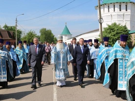 В Серпухове проходит большой церковный праздник обретение чудотворного образа Божией Матери «Неупиваемая Чаша»